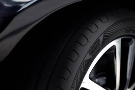 <b>Goodyear</b> takes you further with new <b>EfficientGrip Performance</b> 2 tire