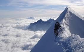 「2013年 - プロスキーヤーで登山家の三浦雄一郎が世界最高峰・エベレストに史上最高齢(80歳7カ月)で登頂に成功。」の画像検索結果