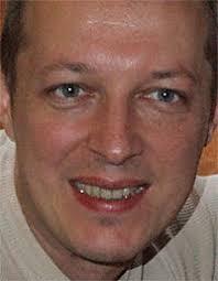 """Vlad Georgescu, Online Editor la BBC: """"Politicienii sunt probabil frustrati cand vad ca presa nu are regulile sale proprii privind indepartarea ... - image-2010-08-12-7687578-41-vlad-georgescu-bbc"""