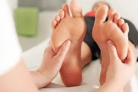 Reflexologia em idoso - Massagem terceira idade - Massagem para idosos contra ansiedade, dores musculares, cansaço físico, estresse, nervosismo, fadiga - Clinica de Massoterapia em São José (SC)