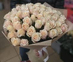 <b>Букет</b> из 51 кремовой розы (60 см) за 5790р. Позиция № <b>1101</b>