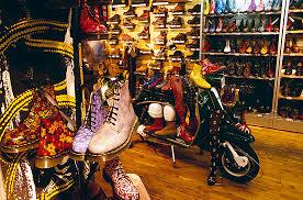 Легендарная <b>обувь Dr</b>. <b>Martens</b>