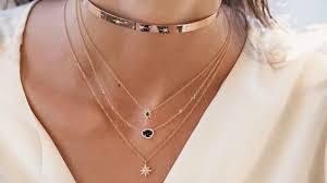 Descubre los <b>collares</b> tendencia <b>2019</b>. Bisutería <b>de moda</b> bershka ...