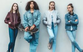 Женские <b>джинсы</b> — купить на Яндекс.Маркете