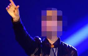 Αποτέλεσμα εικόνας για ελληνας τραγουδιστης ποιος