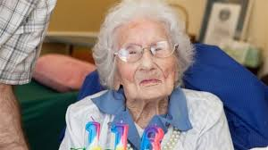 Besse Cooper celebrates her 116th birthday on 26 August. Credit: Jessica Mcgowan / Guinness World Records - image_update_1a51bed15294bd06_1354703802_9j-4aaqsk