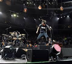 <b>Pearl Jam</b> Perform '<b>Binaural</b>' in Its Entirety at Toronto Concert ...