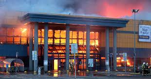 Фото и видео: в Санкт-Петербурге сгорел и обрушился ...