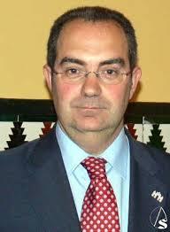 Hoy domingo de Feria nos dice adios el Director de Fiestas Mayores, Antonio Silva Semana Santa ... - asilva