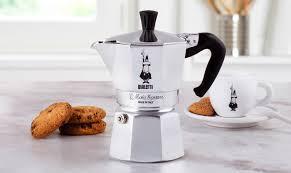 Гейзерная <b>кофеварка Bialetti Moka Express</b> в официальном ...