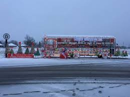 Driving and moving through the Belleville <b>Santa Claus</b> Parade