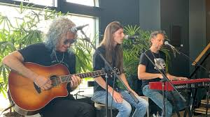 <b>Foreigner</b> to play intimate <b>acoustic</b> set at Pike Brewing Company ...
