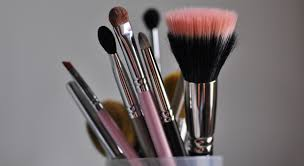 clean your makeup brushes like a professional artist 11 really handy ways to use baby oil