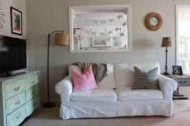 white living room red stocksund