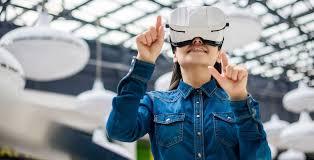 6 Ways to Make Money Through Virtual Reality | GOBankingRates