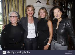 tory burch stock photos tory burch stock images alamy pearl nipon wendy rosen bj spencer marjorie silverman attend the tory burch luncheon