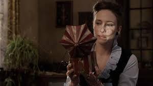 <b>Ghost</b> Hunter Lorraine Warren Tells Us the One Haunted House She ...
