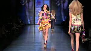 <b>D&G</b> WOMENSWEAR SS 2012 FASHION SHOW - YouTube