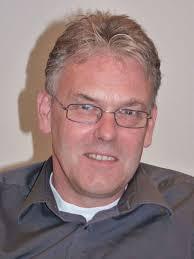 Volker Schröder: »Wir shutteln uns zu Tode.« Solche Termine mag der Bürgermeister am liebsten. Die Tinte unter dem Vertrag ist trocken, kurzes Vorwort, ... - schroeder_volker