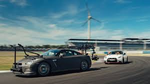 <b>Nissan GT</b>-<b>R</b>: the ultimate high-speed camera car - YouTube