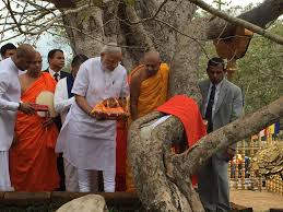 அனுராத புரத்தில் உள்ள மகாபோதி ஆலயத்தில் வழிபாடு