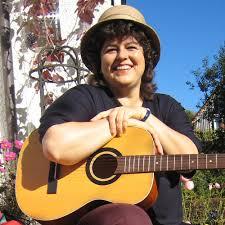 Die meiste Zeit des Jahres ist Angelika Röttig an der Universität und unterrichtet Gesang. Sie selbst hat an der Münchner Musikhochschule unter anderem ... - 007_AngelikaRoettig