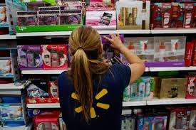 why retailers are suddenly desperate to keep their least valuable why retailers are suddenly desperate to keep their least valuable workers bloomberg