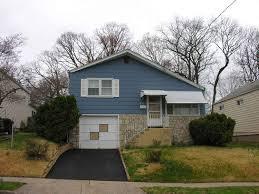 Split Level   PHMC  gt  Pennsylvania    s Historic SuburbsExample of a Split Level house  Montgomery County