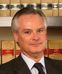 Hector Diaz-Bastién, ex presidente de la Union Internationale des Avocats (UIA). Colaboraciones. EL AGUA: un desafío para el siglo XXI - hector-diaz-bastien-ficha