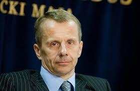 Estoniyalı  Nazir istefa verdi.