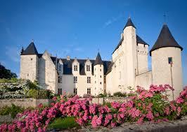"""Résultat de recherche d'images pour """"les roses blanches chateau de RIVAU"""""""