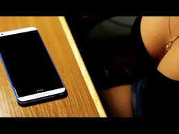 Как наклеить <b>защитное стекло</b> на телефон <b>HTC</b> Desire 820 ...