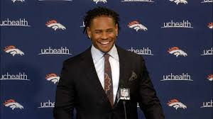 Broncos linebacker Todd Davis signs contract, endorses new QB ...