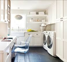 gourgeous laundry room decor
