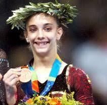 La gimnasta española Patricia Moreno se adjudicó la medalla de bronce, el primer metal olímpico para la gimnasia femenina en la historia, en la final de ... - 153063_1