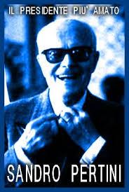 LA COSTITUZIONE ITALIANA Dietro ogni articolo della Costituzione, o giovani, voi dovete vedere giovani come voi che hanno dato la vita perché la libertà e la giustizia potessero essere scritte su questa Carta. Piero Calamandrei, Discorso sulla Costituzione, 1955