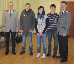 Andre Hellmann 1. Ritter 2010 (rechts). Jutta Thedieck 2. Hofdame (2. v. l) - km2010-3