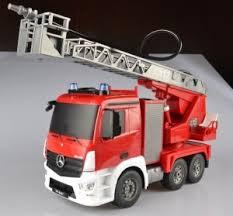 Радиоуправляемая пожарная <b>машина Mercedes-Benz Actros</b> ...
