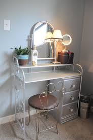 how to organize my bedroom how i organize my bedroom my vanity organizing made fun how i organize