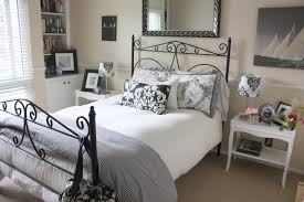 room ideas small spaces decorating:  apartment guest room ideas small space guest room