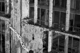 Resultado de imagem para crise carcerária