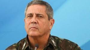 Após sair do Planalto, Bolsonaro encontra com Braga Netto no setor militar
