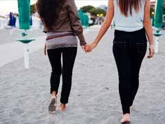 Resultado de imagem para lesbian couple france