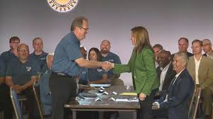 UAW schedules strike vote as negotiations with General Motors ...