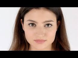 <b>Bobbi Brown</b> - How To: <b>Classic</b> Eyes - YouTube