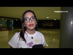 """Resultado de imagem para Dilma não está sozinha, afirmam mulheres durante """"abraçaço da democracia"""""""
