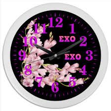 Часы круглые из пластика <b>EXO</b> розовые цветы #2737093 от ...