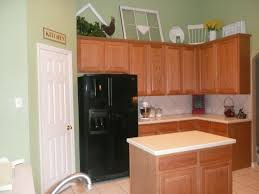 wall color ideas oak: paint colors for kitchens with oak cabinets