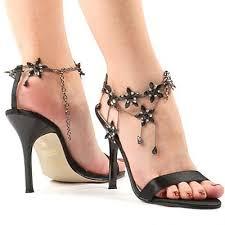 الجنة ,,, ازياء صبيانية احذية رائع للبناات صيفية