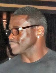 Radio host and NFL Hall of Famer Michael Irvin, who spends time in both Dallas and Miami these days, is predicting the Mavs will extinguish the Heat to win ... - Michael-Irvin-IMG_0223